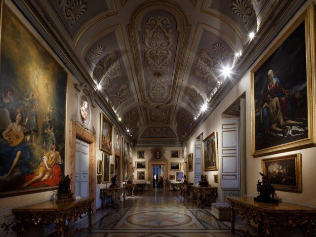 Le Gallerie Nazionali Barberini Corsini e Associazione Civita insieme per il restauro delle consoles rococò di Galleria Corsini