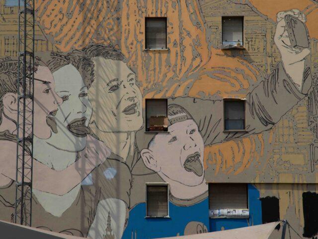 A Milano Praga si racconta attraverso l'arte urbana di Solo e Diamond